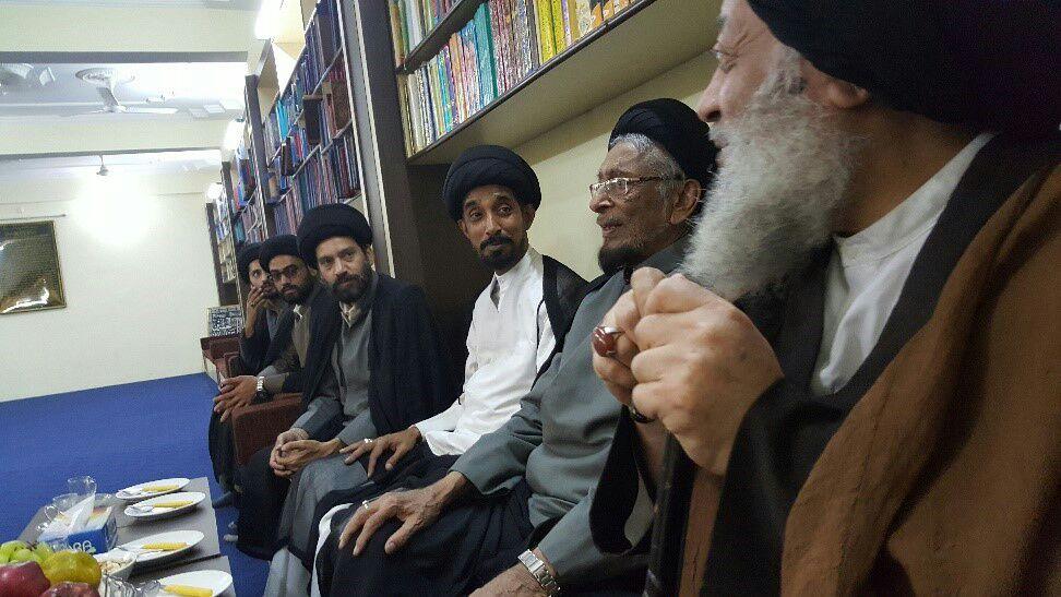 بازدید نماینده ولی فقیه در خوزستان از کتابخانه و حسینیه ممتاز العلماء در شهر لکهنو
