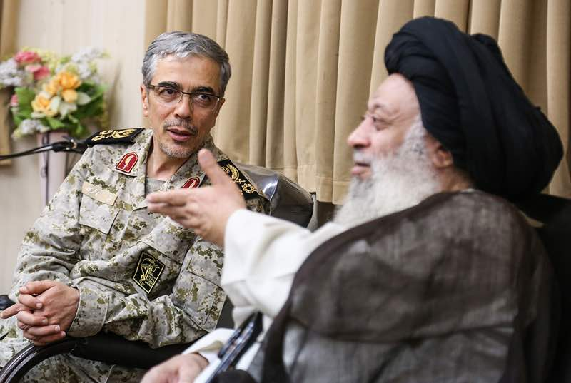 دیدار رئیس ستاد کل نیروهای مسلح سرلشکر محمد باقری با حضرت آیت الله موسوی جزایری
